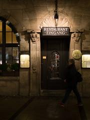 Tor - Augustiner (H.H. Mahal Alysheba) Tags: mnchen munich germany night street snapshot restaurant tradition lumix gx7 leicadg summilux 25mmf14