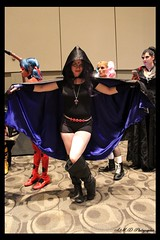 Comic - Con (PhotoJester40) Tags: indoors inside comiccon female girl raven amdphotographer