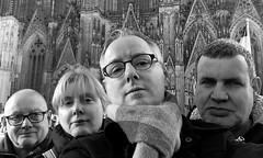 Jos, Astrid, Rob en Ron / Keulen (rob4xs) Tags: keulen kln klle cologne duitsland deutschland germany rob4xs jos astrid rob ron dom kerk kirche church zw bw kerstmarkt weihnachtsmarkt iphonephoto favorite