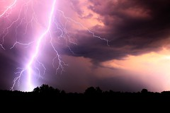 Zbrure nocturne (stephaneallain) Tags: orage clair lightning ciel nuit nature france