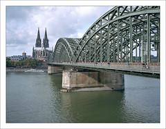 Cologne Cathedral and Hohenzollern Bridge - 3 (macfred64) Tags: film analog mediumformat 120 645 6x45 kodakportra400 fujiga645 fujinon60mmf4 germany homeland nrw cologne hohenzollernbridge colognecathedral rhine rhein köln hohenzollernbrücke
