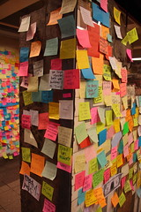 IMG_2226 (neatnessdotcom) Tags: union square subway station postit notes wall tamron 18270mm f3563 di ii vc pzd canon eos rebel t2i 550d