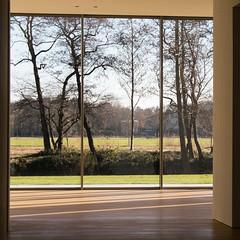 Kamer met tuin (Bram Meijer) Tags: museum voorlinden wassenaar ramen windows vierkant square room kamer uitzicht view park