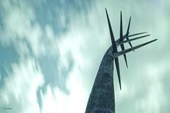 36/52 - Natural elements (Lacmaaan) Tags: statue wind challenge szobor csepel weldingglass naturalelements szl 52week hegesztveg nyldomb dunadl kirlymajor