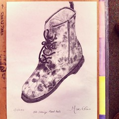 Booting up.... back to doing more art from next week. Ymarfer cyntaf cwrs Seiliau Celf a Dylunio 2 flynedd i nawr. First ever still life - DocMartens with Poppies (¡! - used to be 'Wiv Bovver' where I grew up) - soluble graphite (perfect for the smudgy po (FfotoMarc) Tags: valencia square squareformat iphoneography instagramapp uploaded:by=instagram