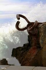 Chillida (salvador cuenca navas) Tags: en agua san escultura paseo donosti cultura ola chillida sebastin hierro martimo escultor temerario bilbao231112