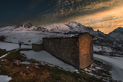 Entre montaas (Marce Alvarez.) Tags: sotres nikon nikkor1635 atardecer naturaleza paisaje picosdeeuropa asturias invierno landscape