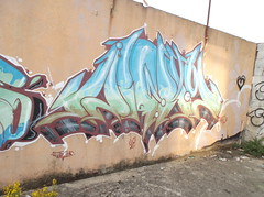 259 (en-ri) Tags: muro verde wall writing graffiti pisa thc arrow azzurro pontedera ol oozb