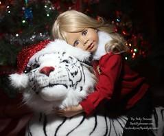 Masterpiece Doll Melody (thedollydreamer) Tags: christmas toddler doll vinyl melody limitededition realistic monikalevenig masterpiecedoll thedollydreamer bridgetdellaero plushwhitetiger