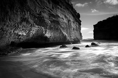 Loch Ard Gorge (An Gobn Saor) Tags: sea seascape australia victoria gorge greatoceanroad southernocean apostles lochardgorge portcampbell muttonbirdisland lochard 1878 shipwreckcoast portcampbellnationalpark tompearce angobnsaor gobnsaor evacarmichael