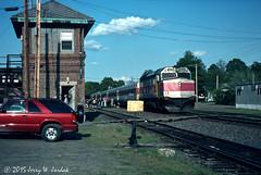 Station Stop at Ayer (jwjordak) Tags: usa tower truck ma passengers commuter mbta 1000 ayer passengertrain f40ph switchstand mbtx train427