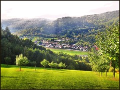 Lichtstrahlen ber Rudersberg (almresi1) Tags: rudersberg burgwaldenstein schorndorf dorf village wieslauftal tal berge