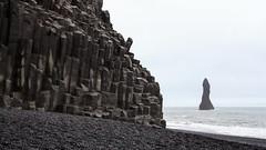 Reynisfjara basalt (loddeur) Tags: ijsland vik reynisdrangar column black beach sea basalt stack iceland seascape geology rocks