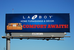 Billboard for La-Z-Boy Home Furnishings & Dcor - Santan Freeway Loop 202, Chandler, AZ (azbillboard) Tags: lazboy outdooradvertising dcor homefurnishings furniture ooh billboard billboards advertising chandler chandlerfashioncenter santanfreeway santan 101 202 loop202 loop101 pricefreeway gilbert phoenix maricopa gilariverindiancommunity mcclintock 85226 ahwatukee tempe scottsdale mesa queencreek gallery comfort arizona az onsiteinsite freeway traffic