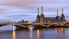 Battersea Powerstation London (david.bank (www.david-bank.com)) Tags: battersea powerstation london england uk river thames dusk