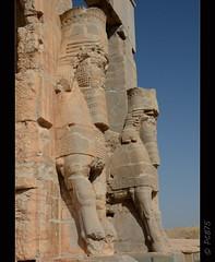 Lammasus (PCB75) Tags: iran prsia persa fars shiraz perspolis  laciutatpersa pars  viatge 2016 arqueologia tajteyamshid aquemnida pulwar kur kyrus dariusi alexandremagne