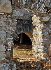 Entre luces y sombras. Monasterio de Santa Maria de Carracedo. Len. Espaa. (Oscar-Z4Design) Tags: iglesia monasterio church piedra antiguo arte arquitectura len espaa bierzo