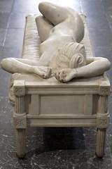 Le repos (Gerard Hermand) Tags: 1608313557 gerardhermand france pau canon eos5dmarkii formatportrait muse museum beauxarts statue sculpture femme woman marbre marble
