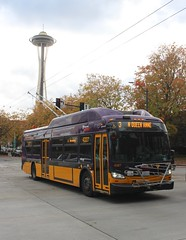 Seattle Metro Bus (So Cal Metro) Tags: newflyer xcelsior xt40 trolleybus zeb zev spaceneedle kingcountymetro metro kcmetro seattlemetro seattle