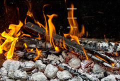 FuocoSullaCarbonella (Marco Di Ferrante) Tags: fuoco brace fire flames carbon color red gray rosso grigio nero fumo smoke