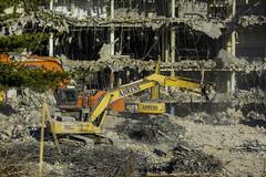 CrestWoodMallDemolition_SAF7516 (sara97) Tags: constructionequipment copyright©2016saraannefinke crestwoodmall demolition heavyequipment missouri outdoors photobysaraannefinke saintlouis
