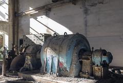turbine (FoKus!) Tags: turbine c industrial industriel urbex eu ue europe italie italia italy abandon abandoned abbandonatto left decay empty unused urban exploration