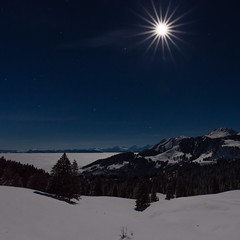 Supermoon-Superstar (tom.leuzi) Tags: baum berge canonef1635mmf4lisusm canoneos6d gantrisch gurnigel langzeitbelichtung mond nacht natur nebel night schnee schweiz switzerland winter cold cool fog kalt landscape lightstar longexposure mist moon mountain mountains nature peaks snow starburst starlight tree moonlit fullmoon vollmond supermond supermoon orion stars explored