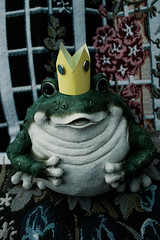 Royal Amphibian (Jules (Instagram = @photo_vamp)) Tags: thefrogprince fairytales photochallenge toad crown princecharming