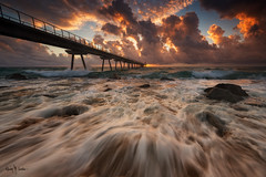 Badalona [Explored] (Ramón Menéndez Covelo) Tags: badalona barcelona pont puente petroli petróleo landscape paisaje seascape marina playa beach waves olas clouds nubes amanecer sunrise horizontal outdoors aire libre