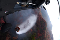 161124-Z-II459-041 (SC Guard) Tags: scng chinook wildfires 2238thgsab tablerock forestry bambibucket 1111thgsab 59thatc southcarolinanationalguard southeasternwildfires pickenscounty southcarolina unitedstates