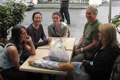 mot-2008-joinville-coffee-time-steve-beth-marshall-family-friends-6x4_800x533
