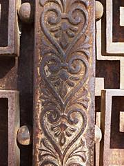 transparence du coeur (canecrabe) Tags: heart coeur empire porte fer ferforgé orival sorèze pasturin