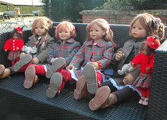 Kindergartenkinder ... ein schöner Tag geht zu Ende (Kindergartenkinder) Tags: dolls schloss annette bellis jinka tivi lembeck himstedt kindergartenkinder leleti sanrike