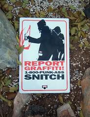 Anglų lietuvių žodynas. Žodis snitcher reiškia snigeris lietuviškai.