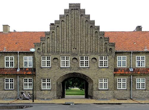 Very fine architecture.