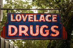 Lovelace Drugs (Thomas Hawk) Tags: america lovelace lovelacedrugs mississippi oceansprings usa unitedstates unitedstatesofamerica drugs neon fav10 fav25 fav50