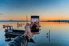 Selfie all'alba (Luca Maresca) Tags: selfie lesina lago oneplusone smartphone alba canon eos 400d ottobre 2016 gargano puglia foggia