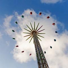 Around the world (Johan Konz) Tags: fairground attractions damsquare amsterdam netherlands outdoor blue sky white clouds people stratosphere vertigoride