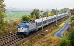 D 380.012-5 (Tom Markovi) Tags: hungaria eurocity budapest hamburg praha brno abice railway train autumn fog high iso 2500 iso2500