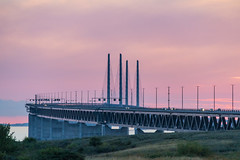 resundsbron at Sunset (Infomastern) Tags: malm bridhe bro bunkeflostrand cloud hav sea sky solnedgng sunset water resundsbron exif:model=canoneos760d exif:isospeed=1000 exif:focallength=170mm camera:make=canon geocity camera:model=canoneos760d geocountry geolocation exif:lens=efs18200mmf3556is geostate exif:aperture=56 exif:make=canon