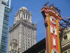State Street 12 - Chicago Theatre and London House (worldtravelimages.net) Tags: chicago statestreet theatredistrict 2016 worldtravelimages