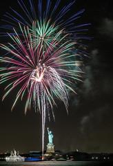 3I6A0252 (bkrieger02) Tags: fireworks statueofliberty hudsonriver nyc newyorkcity manhattan fireworksphotography nightphotography longexposure libertyisland canon canonusa teamcanon 7dmkii brooklyn louisvalentinopark redhook