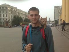 Рыжий на счастье (GrusiaKot) Tags: ucraina ukraine україна украина travelling autumn boy man cat red happy lucky railwaystation kharkiv kharkov