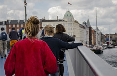 Waiting in the wind (roopekoo) Tags: kpenhamina tanska copenhagen