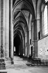 cathedrale de Reims (pagail) Tags: cathedrale church art gothique architecture noiretblanc reims champagne interieur canon canoneos1nrs canon1635 kodak trix kodaktrix400