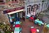 Flickr_Bécherel_Cité_du_Livre_ Bretagne_09-2016_IMG_9338 (Roberto Bombardieri) Tags: bretagne francia bretagna france septembre settembre viaggi europa europe bécherel livre libri libro bar tavoli tables