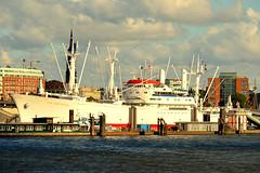 Hamburg (Germany) (jens_helmecke) Tags: ship water hamburg stadt hansestadt city nikon jens helmecke deutschland germany