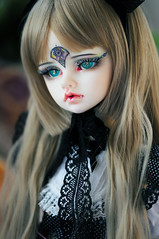 Ms Dragon :) (Athena Roseanna Tse) Tags: bjd balljointeddoll doll abjd dollinmind dim kassia dragon