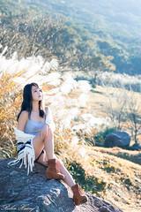 DSC_1447 (Robin Huang 35) Tags: 孫卉彤 candy 陽明山 芒草 秋芒 大屯山 lady girl d810 nikon 大屯自然公園