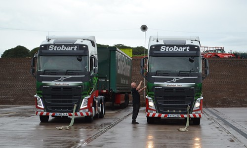 H4164 - KX15OAA - Sandra Shirley & H4429 - KT15ZZD - Kayleigh Lucy; Stobart Fest 2015, Carlisle Airport Warehouse Complex; 22-08-2015